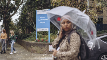 "Outside the Royal Brompton Hospital near London. By June 2016, the hospital had seen at least 50 ""proven or possible"" cases of C. auris, and decided to shut down its intensive care unit for 11 days to address the contamination."