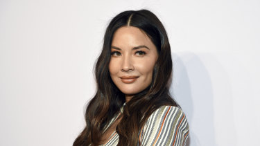 Olivia Munn has labelled fashion blogs that critic celebrities as 'ignorant'.