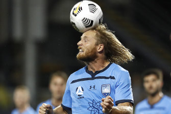Rhyan Grant is still keen on a move overseas before he retires ... but will have to do so without his trademark mullet.