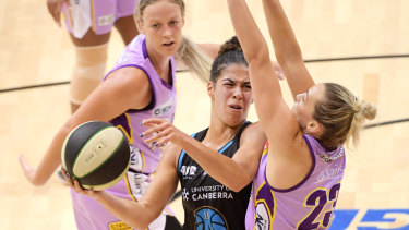 League MVP the Capitals' Kia Nurse in action against the Melbourne Boomers.
