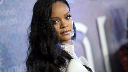 Rihanna apologises to Muslim community for 'careless' mistake