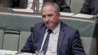 "Barnaby Joyce says two bushfire victims ""most likely"" voted for the Greens."