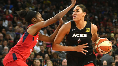 Cambage agrees to new Las Vegas Aces contract