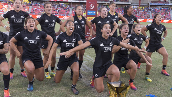 'Miles ahead': Black Ferns run away with Sydney Sevens final
