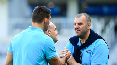 Cheika congratulates Matera after the 25-15 victory