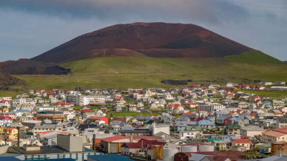 Icelanders told to brace for potential volcanic eruption