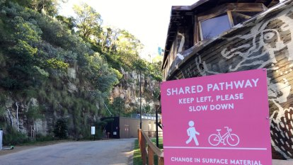 Howard Smith Wharves shared pathway still needs upgrade, cyclists say