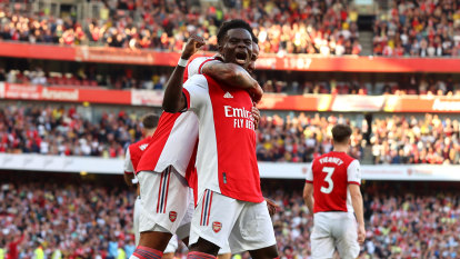 Arsenal run riot over Spurs in north London derby, Wolves beat Saints