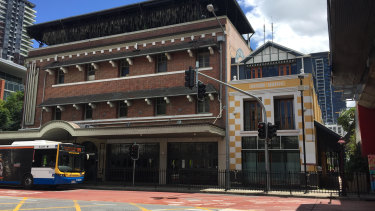 Quinn House next to the Fox Hotel at South Brisbane will become a two-story bar and restaurant in the proposal.