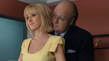 Naomi Watts as Gretchen Carlson and Russell Crowe as Roger Ailes in The Loudest Voice.