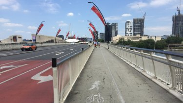 The public traffic lane for vehicles from Brisbane CBD westbound towards South Bank is set to be closed for 24 hours.