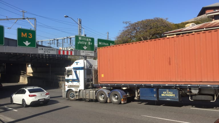 An oversize struck found himself stuck on Countess Street at the rail bridge on Monday morning.