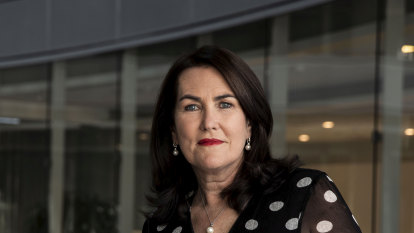 'There are men who block us': Push for women's caucus in Canberra