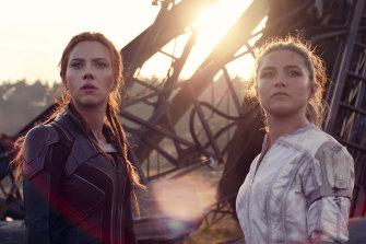 Black Widow/Natasha Romanoff (Scarlett Johansson) and Yelena (Florence Pugh) in Black Widow.