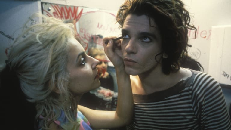 Michael Hutchence, as Sam, in Dogs in Space with Saskia Post.