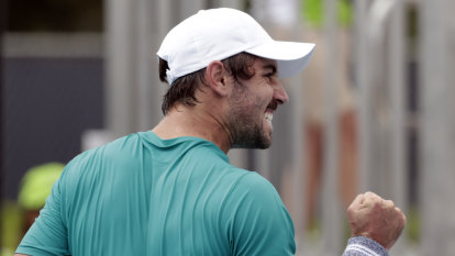 Thompson gets upset win over Dimitrov, Barty battles back in Miami