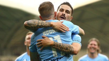 City go clear second with win over Jets as referee makes history