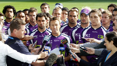 Craig Bellamy reads a statement in front of Melbourne players in April 2010.