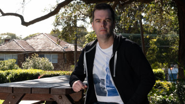 Gavin Fineff kehilangan $ 8,4 juta dalam waktu kurang dari lima tahun dengan agen taruhan online yang mendorong kecanduan judi dengan memberinya bonus dan insentif