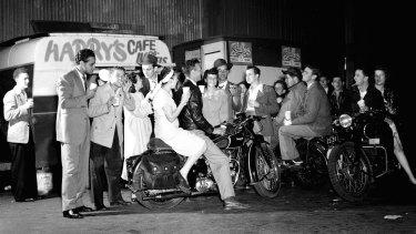 Woolloomooloo's Harry's Cafe de Wheels in 1949.