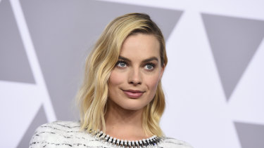 Margot Robbie is to join Nicole Kidman and Charlize Theron in a film about Fox News.