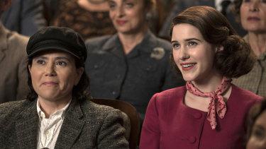 Alex Borstein as Susie Myerson and Rachel Brosnahan as Midge Maisel in <i>The Marvelous Mrs Maisel</i>.