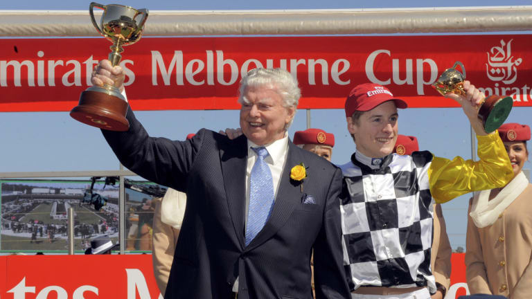 Bart Cummings and jockey Blake Shinn with the 2008 Melbourne Cups.