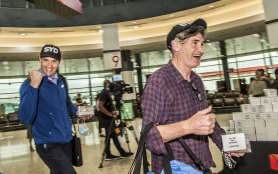 Ed Kavalee and Dave Hughes arriving from Melbourne.