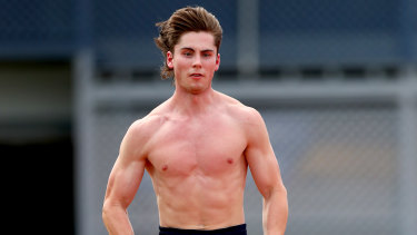 Sprinter Rohan Browning is the first Australian to qualify for the 100m at the Olympics since 2003.