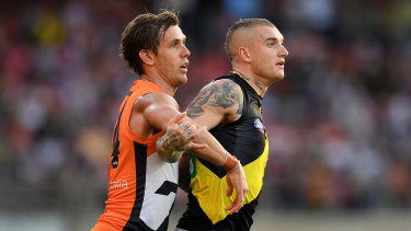 Giants tagger Matt de Boer (left) has been ruled out for eight weeks with a fractured shoulder.
