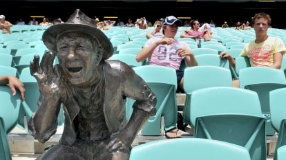 Failure of SCG crowd to police its own the saddest thing of all
