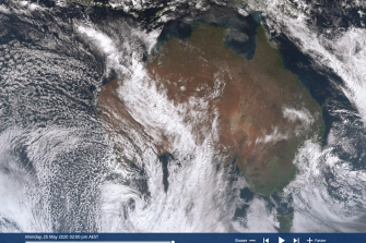 An 'atmospheric river' stretches from off north-western WA all the way south-east to the Great Australian Bight.