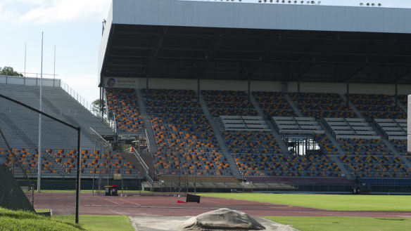 Poor pitch sees international switched from Ballymore to QSAC