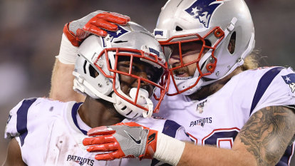 Michel rushes for three touchdowns as Patriots rout Jets