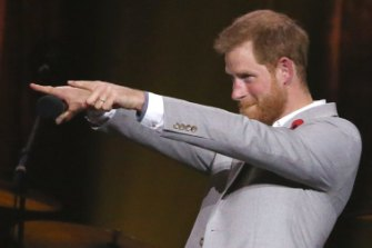 Prince Harry on the verge of a mic drop during his closing speech at the Invictus Games in Sydney last year. Millennial public speaking style, in spades.