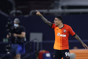 Dodo celebrates the icing on the cake for Shakhtar Donetsk, scoring the fourth and final goal in a 4-0 win which could have been even more convincing.
