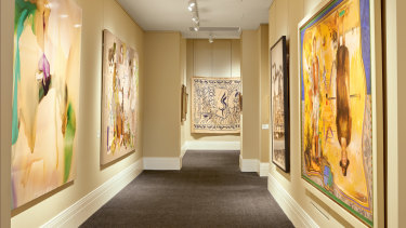 Only one painting is displayed on each wall, to allow it to not only 'breathe'.