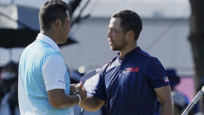 Schauffele finds mettle as organisers lose theirs on bad hair day for Smith