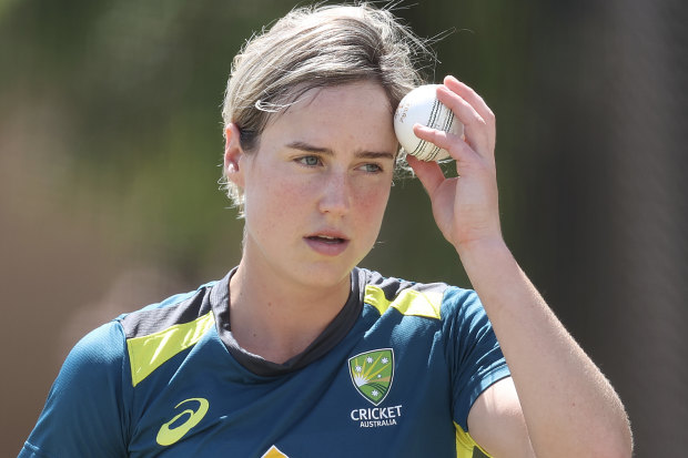 Ellyse Perry faces overcoming a second injury to be fit to play NZ.