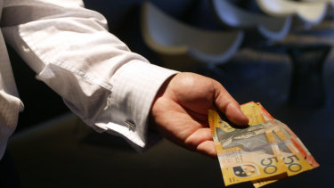 APRA has proposed linking finance sector bonuses more closely to measures such as customer satisfaction.