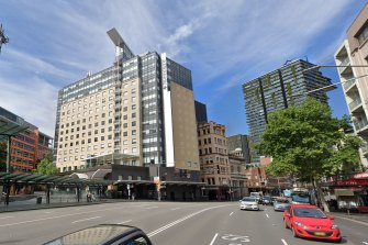 People who were housed at the Mercure on George Street have been ordered back into isolation.