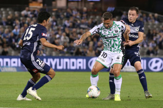 Western United's Scott McDonald controls the ball during the round four A-League match against Victory.