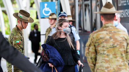 Defence Force called in to help with Sydney COVID-19 lockdown enforcement