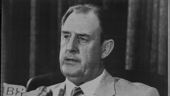 Former Labor leader Nev Warburton dies aged 86