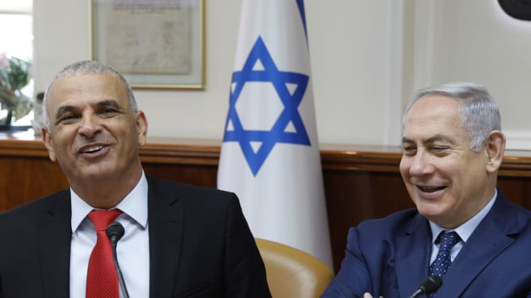 From left, Israeli Finance Minister Moshe Kahlon and Prime Minister Benjamin Netanyahu.