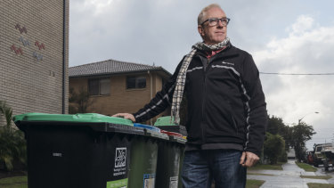 Northern Beaches Council is rolling out 330,000 new bins as part of it snew waste collection service, but Narrabeen resident Scott Miller does not believe his old bins need replacing.