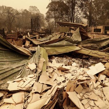 The bushfire has destroyed many houses in Mallacoota in Victoria.