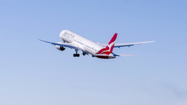 Australians have been warned not to expect overseas travel to the US and Europe in 2021.