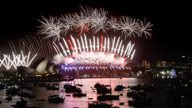 The midnight New Year's Eve fireworks over Sydney Harbour to ring in 2018.