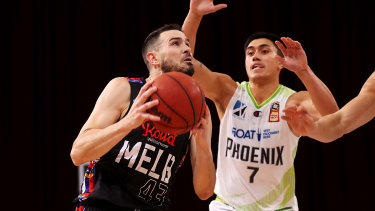 Melbourne United's Chris Goulding drives the ball to the basket in game three against South East Melbourne Phoenix.